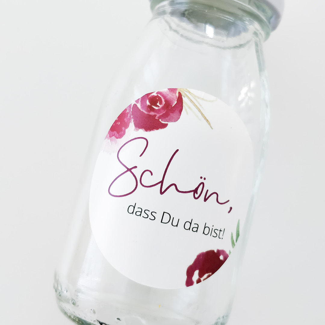 """Gastgeschenkaufkleber, Produktfoto, Anwendung, Gastgeschenk, """"Schön, dass Du da bist"""", florales Design"""